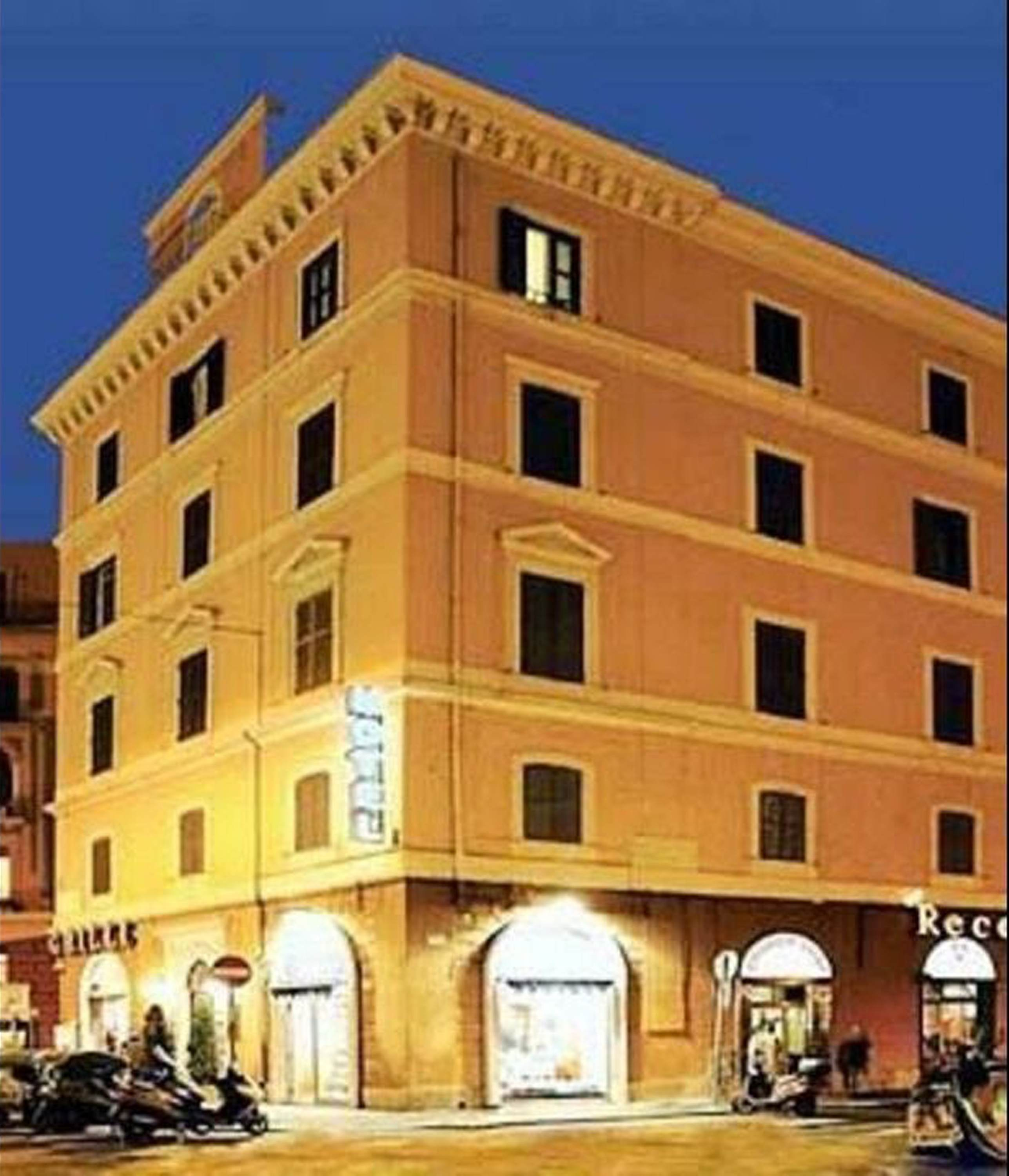 Hotel Lirico Roma Booking